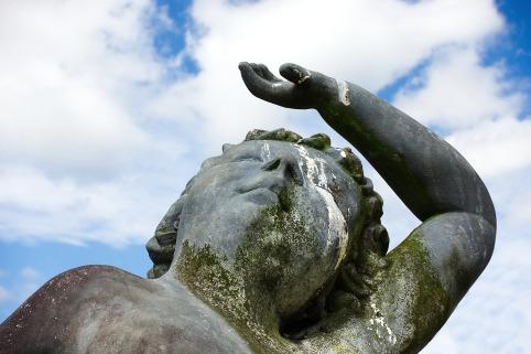 statue-2692920_1920